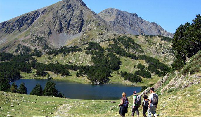 La Cerdagne, lacs et forêts de l'altiplano catalan