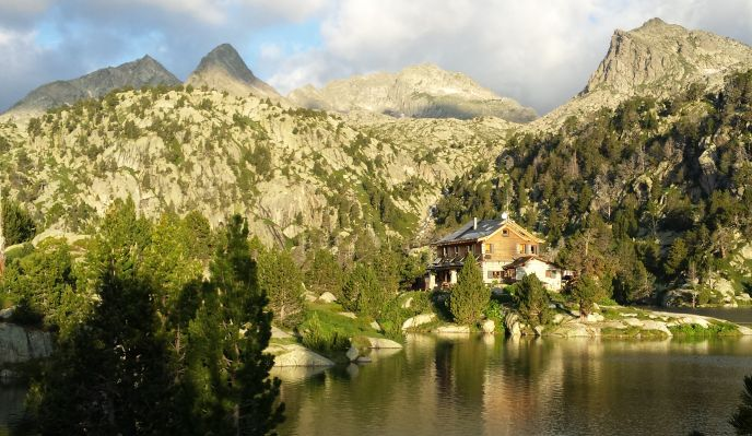 Les lacs des Encantats