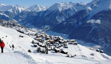 Aletsch, sanctuaire des glaciers en Suisse (raquette)